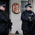 'ساندی تایمز' روز یکشنبه در گزارشی با اشاره به وقایع تروریستی در فرانسه، نوشت: مقامات امنیتی انگلیس هشدار داده اند که بیش از ۱۵۰ انگلیسی داعشی و افراطی که از […]
