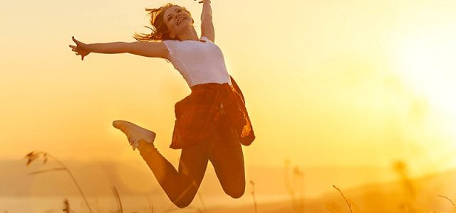 عدهای اعتقاد دارند شادی همانند یک پروانه است. مادامی که برای به دست آوردنش خودتان را به تقلا و تکاپو میاندازید از دستان شما فرار میکند اما همین که نسبت […]